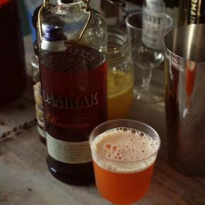 Thai Tea infused Bee'sKnees